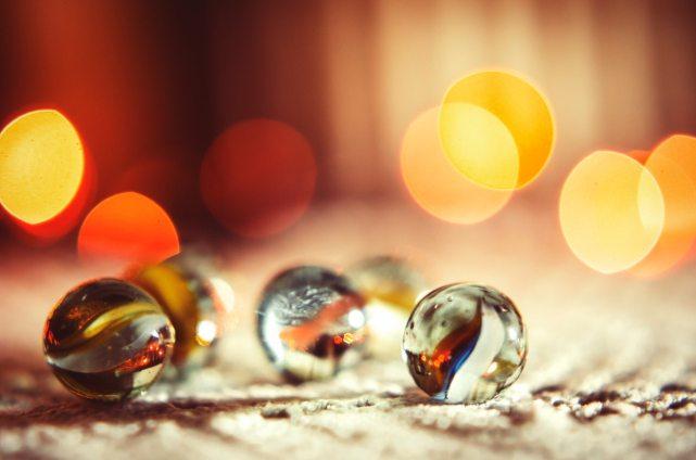 blur-depth-of-field-glass-items-592413