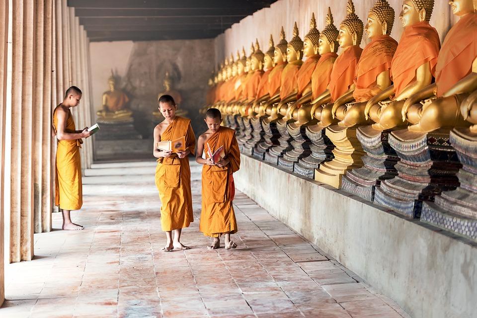 Asie-Bouddhisme-Indonesie-Cambodge-Enfants-Garçons