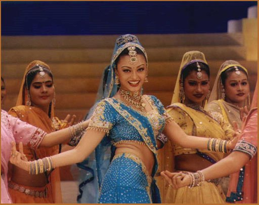 yoga-bienfaits-decouvrir-culture-indienne-danse-bollywood
